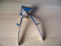 Senovinė plaukų kirpimo mašinėlė