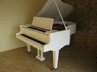Baltas koncertinis  fortepijonas Steinweg Nachf. Grotrian (