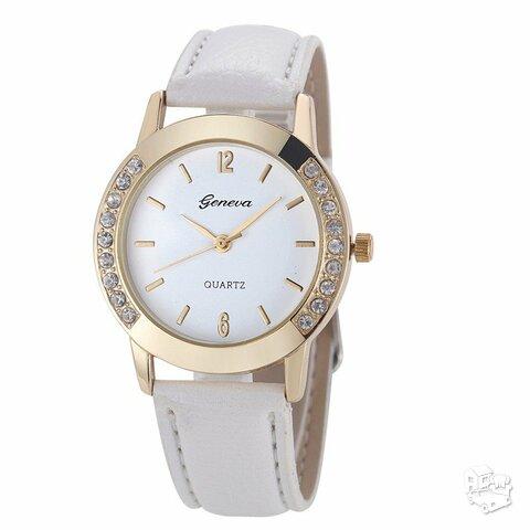 Baltas odinis laikrodis su kristalais
