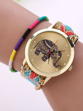 Spalvingas laikrodis su drambliuku