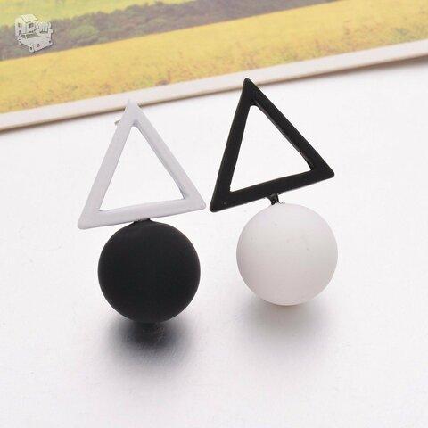 """Modernūs auskarai """"Triangle Different Candy"""""""
