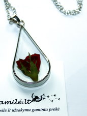 Stikliniai pakabukai su gėlėmis