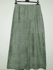 Itališkas, natūralios odos zomšinis sijonas.