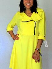 Ryškios geltonos elegantiškos suknelės