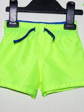 Ryškiai salotiniai, neoniniai maudymosi šortai berniukams