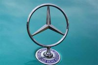 Originalios Mercedes-Benz dalys Vilniuje