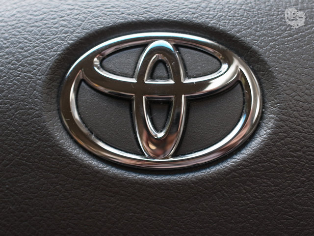 Toyota Venza dalimis