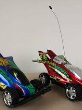 Dvi rc mašinėlės, kaina 10 eur/vnt.