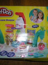 Play doh ledų gamykla (fabrikas)