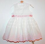 Baltos puošnios suknelės krikštynoms ir ne tik