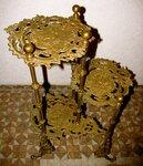 Bronzinis staliukas-stovas
