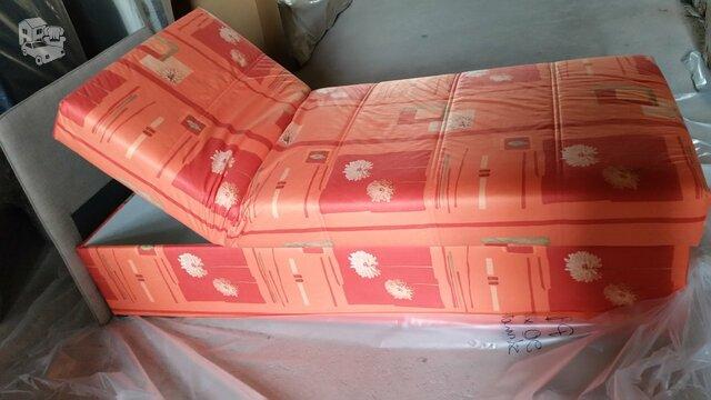 Nauja viengulė lova su dėže patalynei