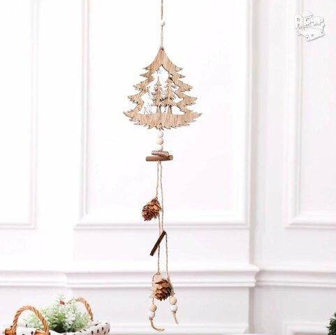 """Medinė kabanti kalėdinė dekoracija """"Eglutė"""""""