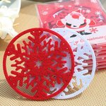 Raudoni ir balti kalėdiški puodelių padėkliukai, 2 vnt.