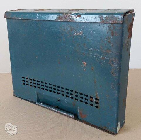 Pašto dėžutė, skardos storis apie 1,5 mm.