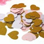 Širdelių dekoracija konfeti