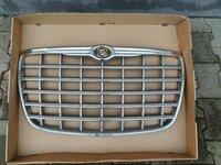Chrysler 300C variklio grotelės