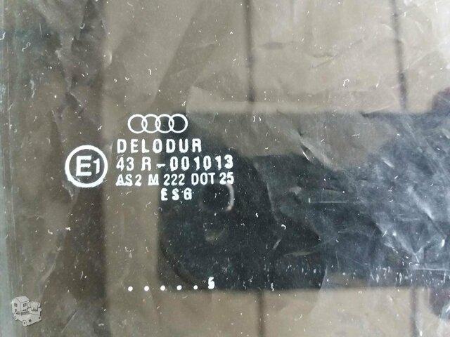 Audi 90 dešinės pusės priekinių durelių stiklas