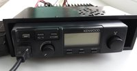 Racija Kenwood TK 808-H. Su stalčium. 25W, 400-470 Mhz.
