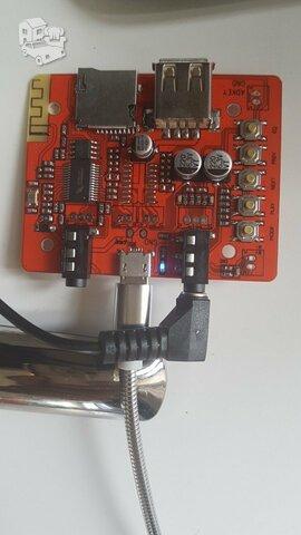 Bluetooth,AUX priemėjas.