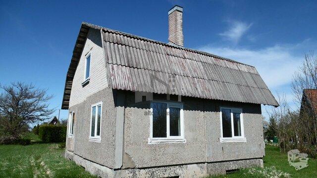 Gyvenamojo namo dalis Šiaulių r. sav., Gervėnuose, Astrų g.