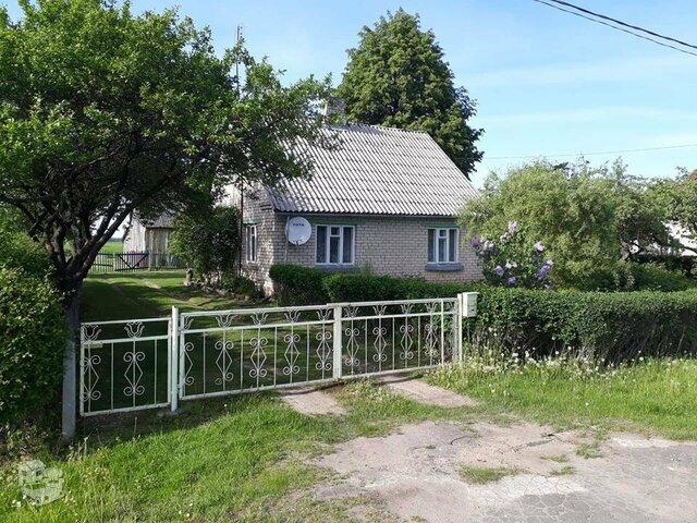 Gyvenamasis namas Akmenės r. sav., Padvarėliuose, Liepų g.